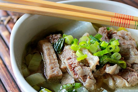 Beef Brisket with Daikon and Leek in Clear Broth