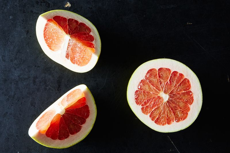 Pomelos and the Best Ways to Eat Them