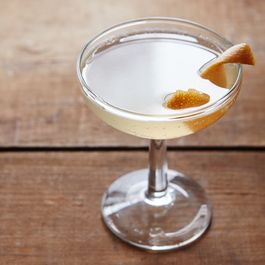 1b69b369 08fe 4825 85bf a0145293954d  2015 1214 prosecco cocktail with citrus and wine syrup mark weinberg 279