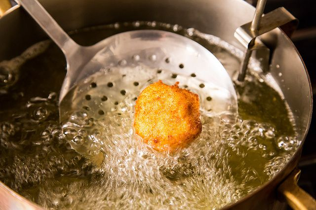 Test Whether The Oil Is Hot Enough For Deep-Frying
