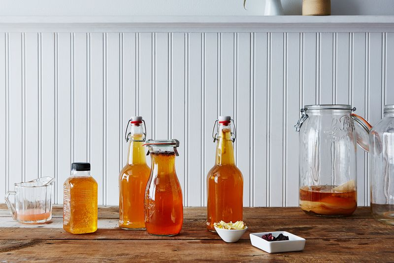 My Adventures in Brewing Kombucha (& How You Can Do It, Too)