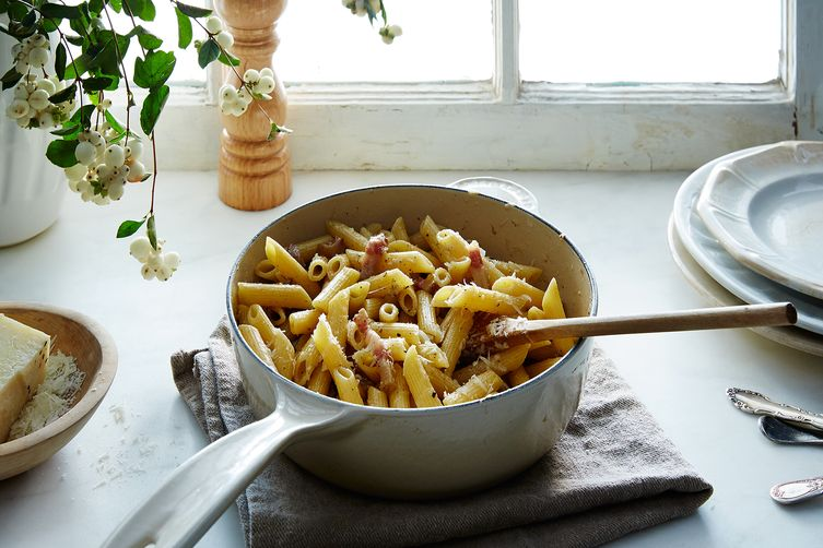 Easy Italian Pasta with Guanciale, Pepper, and Cheese