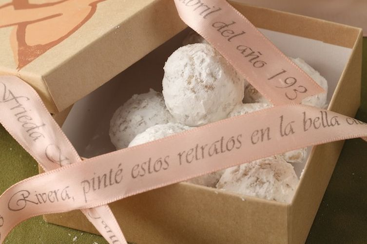 Kahlo Mexican Wedding Cookies
