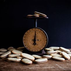 How to Make Milano Cookies at Home