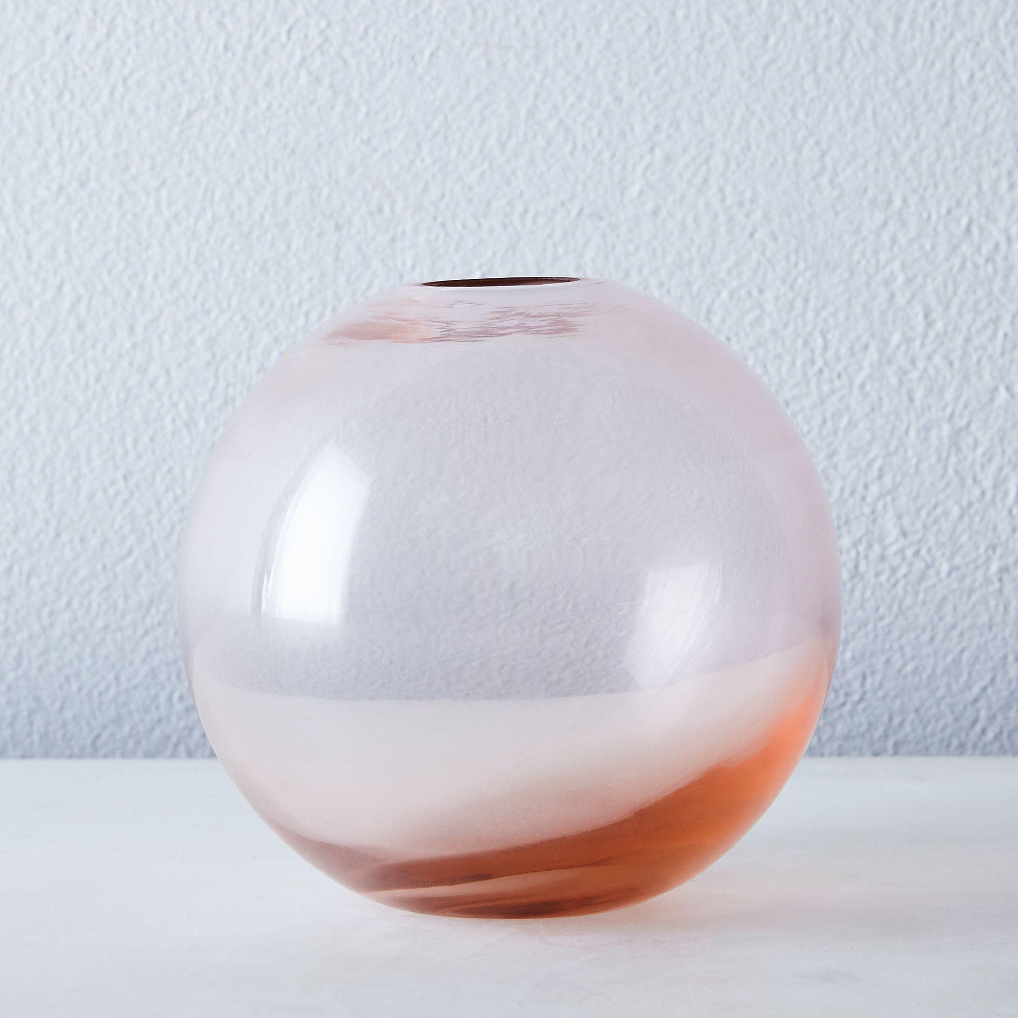 503e2763 6e52 4299 8d17 e03b62f3a8cb  2017 0703 hawkins new york aurora vase sphere pink silo rocky luten 004