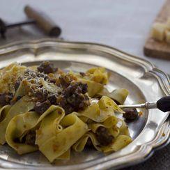 Wild boar sauce with ribbon sauce (Pappardelle al ragù di cinghiale) - Toscana,