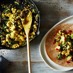 How to Make a Tofu Scramble Without a Recipe