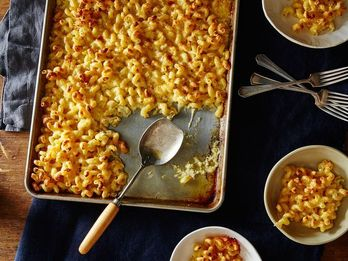 Crowd-Pleasing Mac and Cheese for Thanksgiving and Beyond