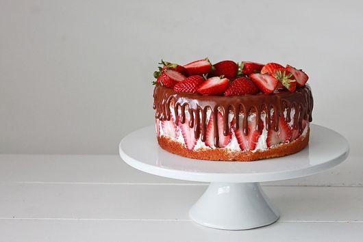 One-Bowl Victoria Sponge Cake