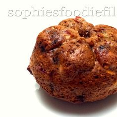 Oil-free wholemeal oat vegan muffins with plums