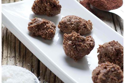 Raw Banana Chocolate Macaroons