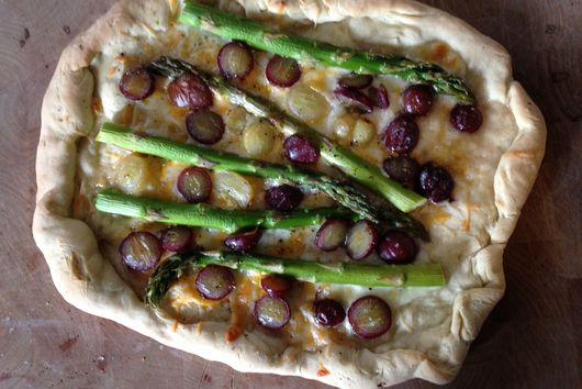 Champagne Grape Pizza with Asparagus