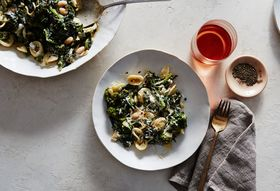 1c5d5b1c-7c82-4c52-9598-0f3d0afd17f6--2015-1124_pasta-with-broccoli-rabe-and-white-bean-anchovy-sauce_bobbi-lin_14660_2-