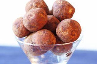 D7563e8c d077 486b ac26 13ac28cb3da0  coconut almond truffles 250