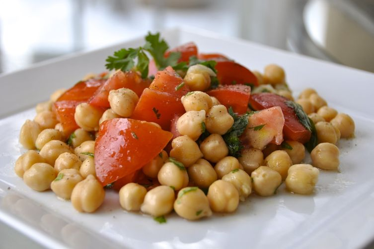 Easy Lime Chickpea Salad