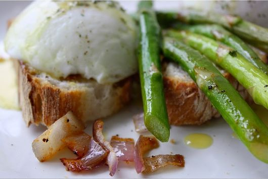 French Bread Eggs Benedict with Asparagus