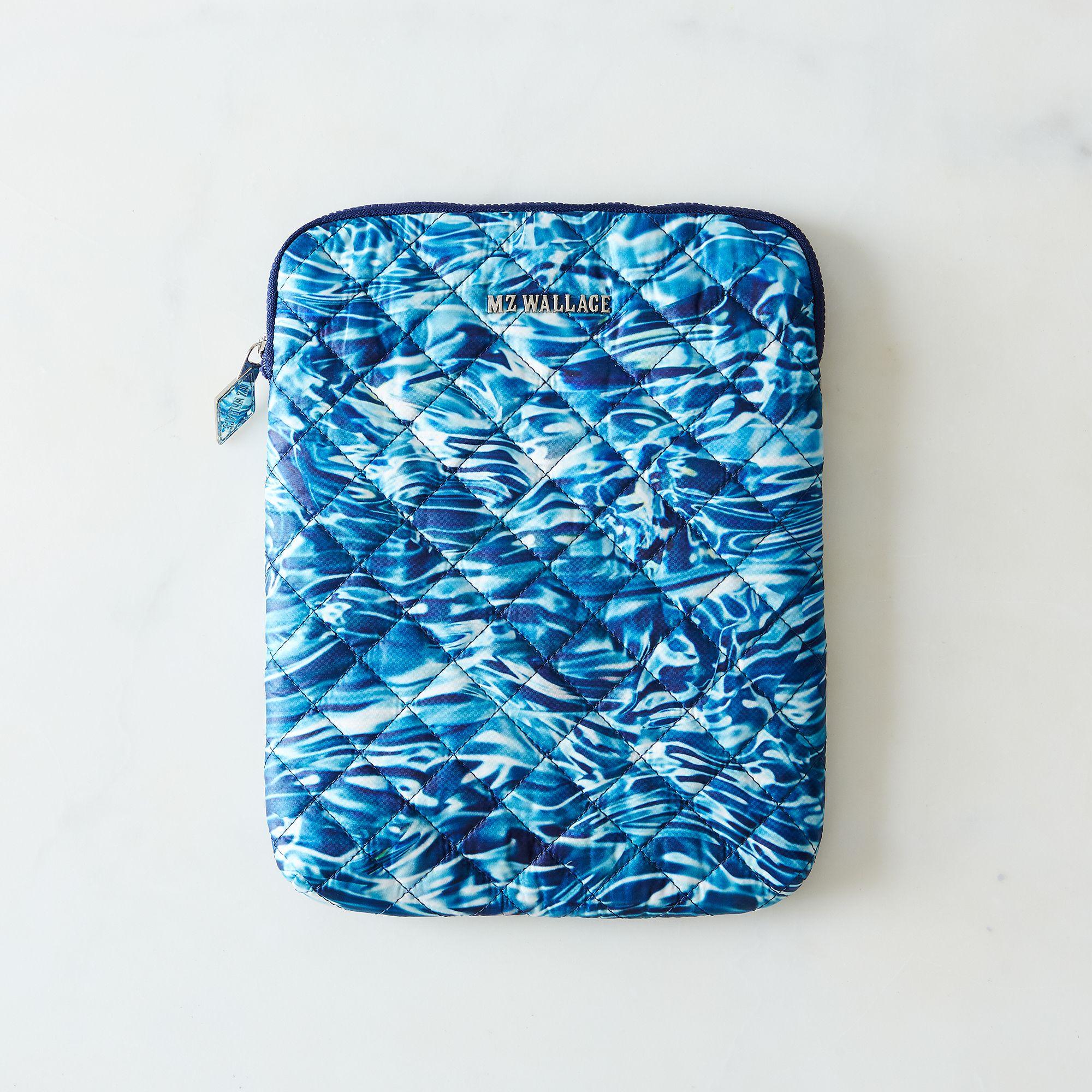 2323a12e a0f8 11e5 a190 0ef7535729df  2015 0402 mz wallace food52 water print bags ipad case silo mark weinberg 0075