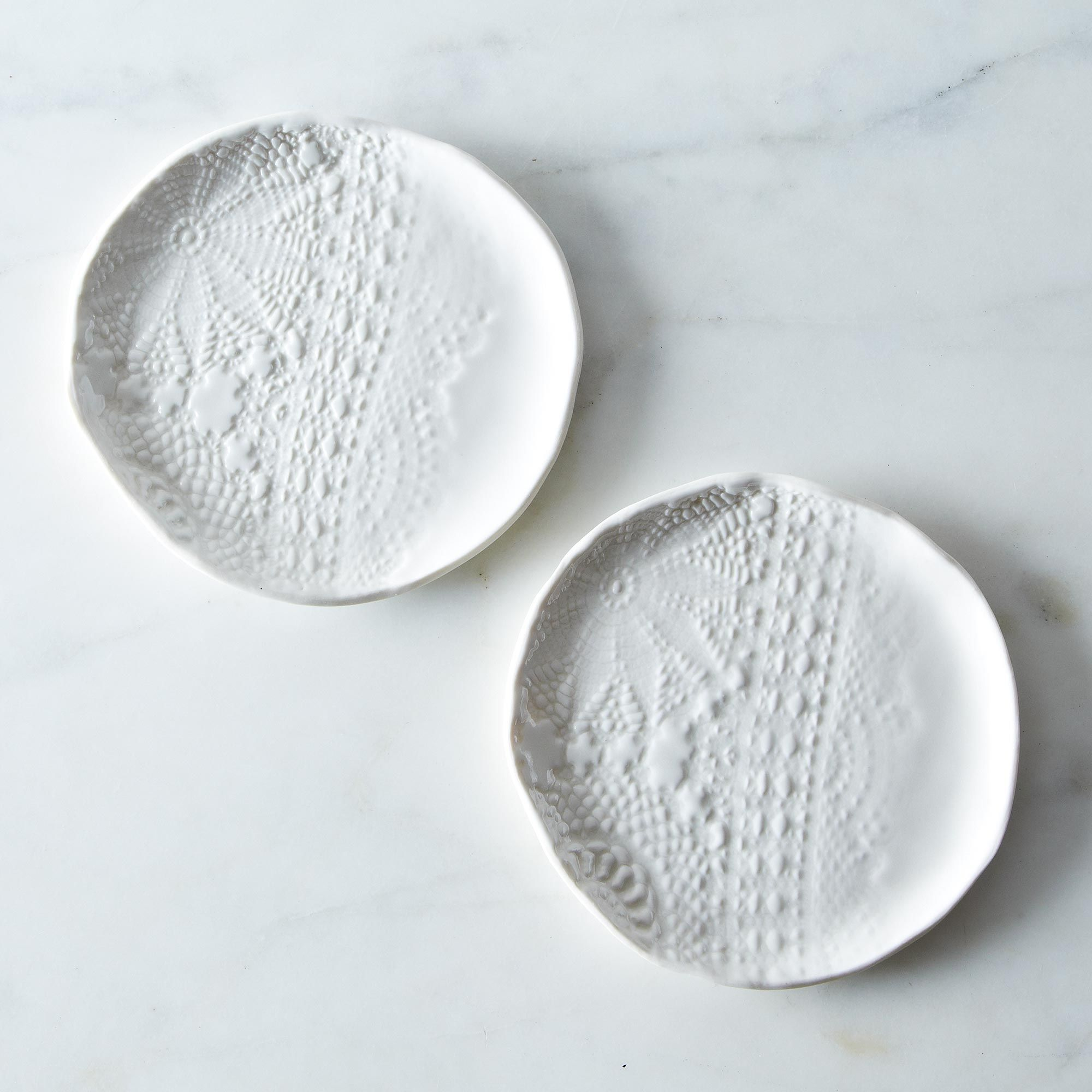 2cd6a6e8-a9d4-4b48-896e-73b2914b6225--2013-0130_suite-one-studio_lace-plates-001