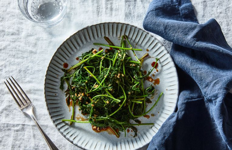 The Genius Salad Green You're Probably Throwing Away (No, It's Not Poisonous!)