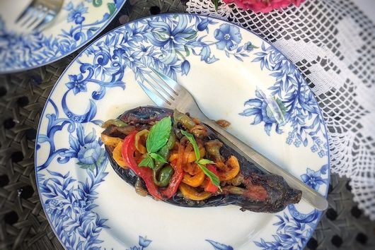 İmam Bayıldı ( Stuffed Eggplant with Peppers & Onions)