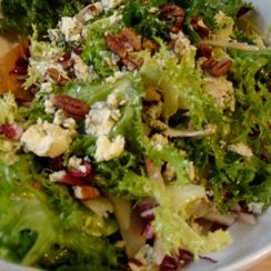 chicory and fennel salad with stilton and pears