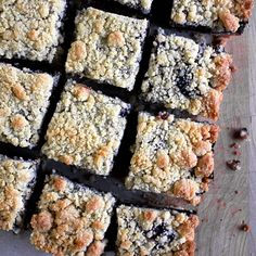 Easy blueberry crumble bar