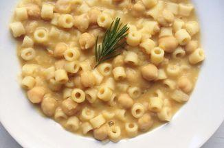 7553cff6 2a88 4152 b572 b0c1ce8655ee  pasta e ceci chickpea and pasta soup