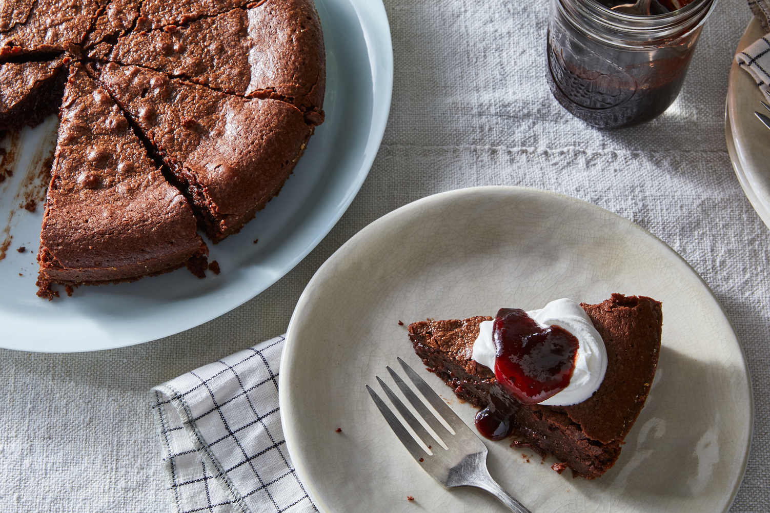 The Fudgiest Chocolate Cake Needs Just 5 Ingredients & 20 Minutes