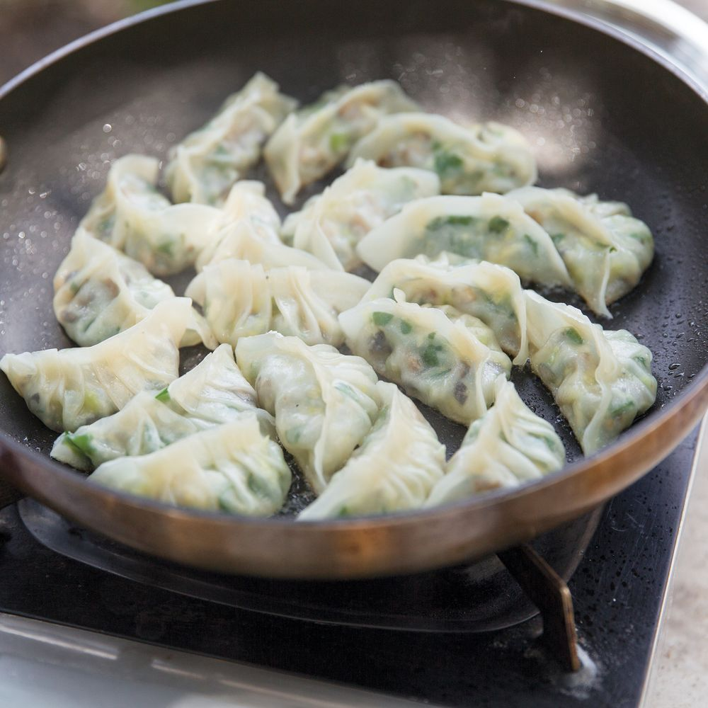 Best Gyoza Recipe How To Make Japanese Fried Pork Dumplings