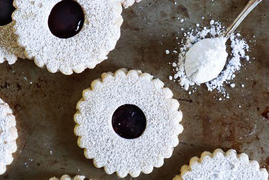 Soft & Buttery Linzer Cookies