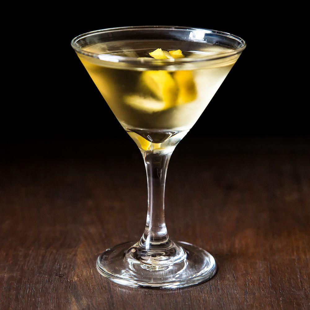 How To Make A Classic Gin Martini