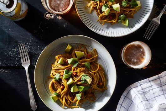 Peruvian Chicken & Basil Pasta (Sopa Seca)
