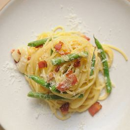 Pasta Carbonara with French Green Beans by sandy