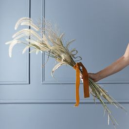 How to Make Dried Arrangements (For When You Just Can't Keep Flowers Alive)