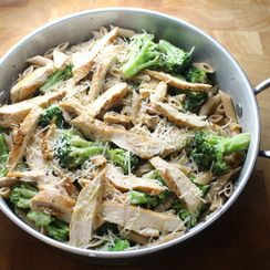 Broccoli Chicken Alfredo Skillet