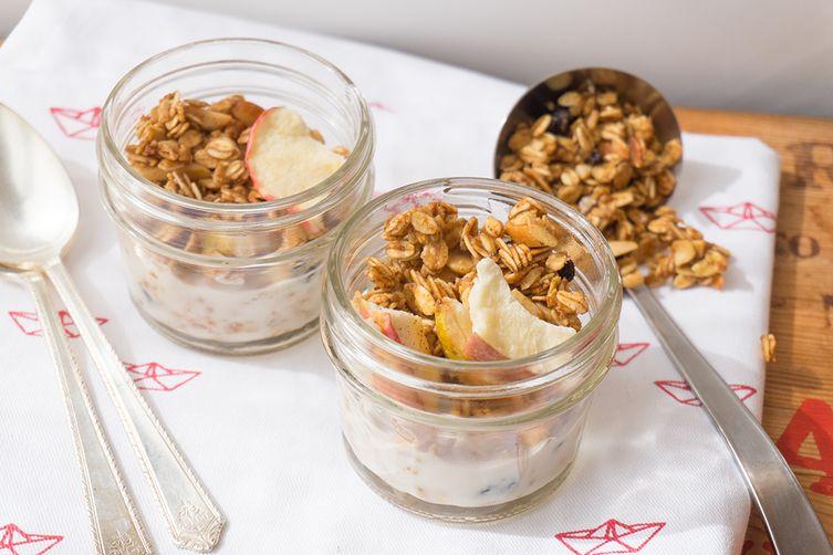 Apple-Currant Granola