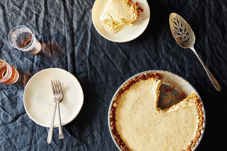A pie that won't take up precious Thanksgiving oven space.