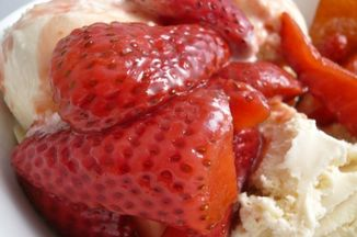 9da2bfd0 68a9 449d 8a59 013553532fe1  balsamic strawberries 600x450
