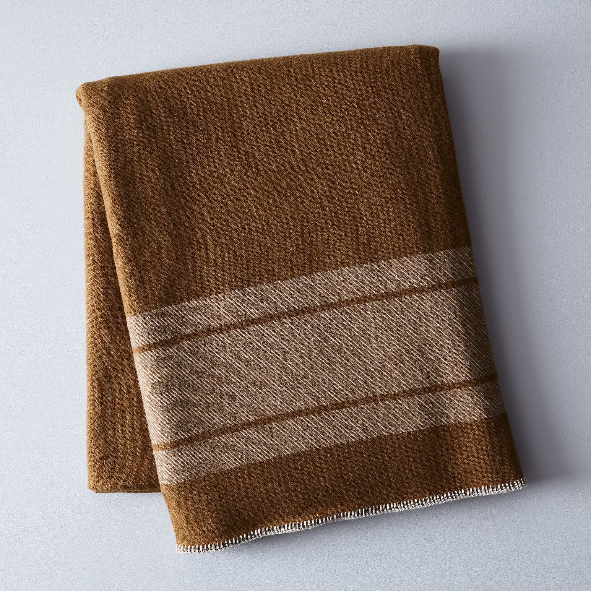 C605f8dc e8af 4259 b842 1b70be8901cb  2017 0907 amana woolen mill camp blanket tan natural silo rocky luten 011