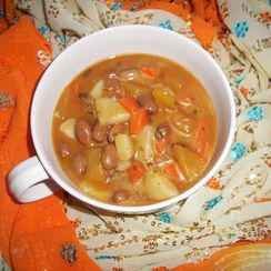 Beans and root vegetable stew (Smisa)