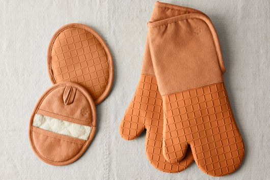 Five Two Silicone Oven Mitts & Pot Holders