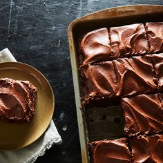 Two-Ingredient Frosting as Creamy as the Canned Stuff—With Far More Flavor