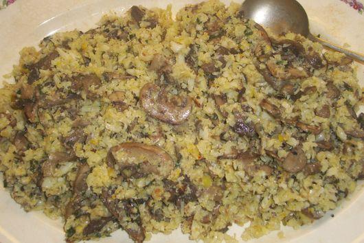 Mushroom pilaf with cauliflower rice