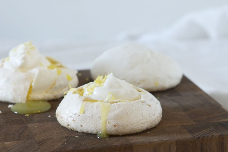 Mini Lemon Pavlovas