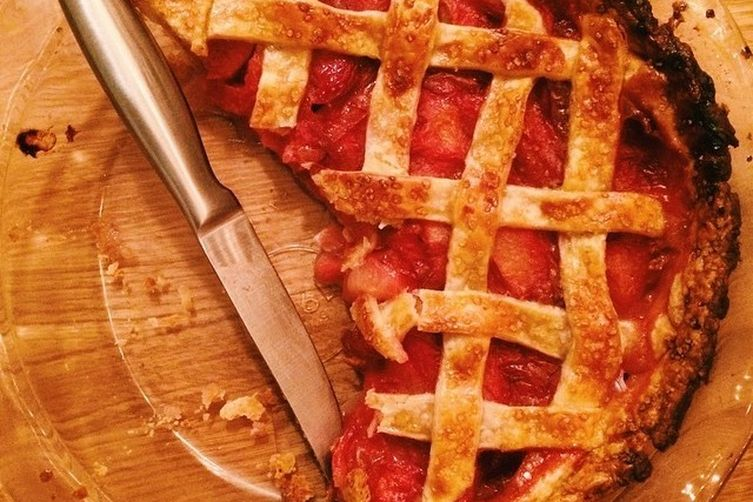 Pluot Pie