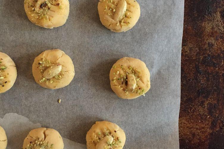 Pakistani rosewater and cardamom 'Nankhatai' cookies