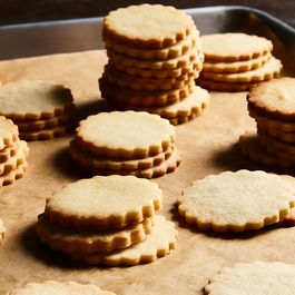 Which Pan Liner is Best for Baking Cookies?