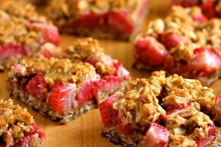 Strawberry Oatmeal Crumble Bars