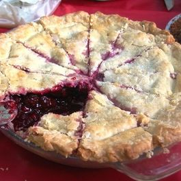 Blackberry Honey Pie-A-Dise