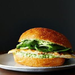 D4c8288e f234 4eed b085 cad82b367a33  2014 0729 green goddess chicken sandwiches 015
